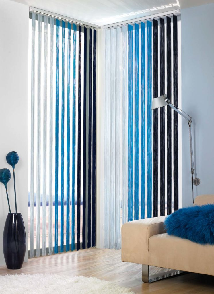Tende verticali a fili blu - Sintesi Tende Orbassano Torino