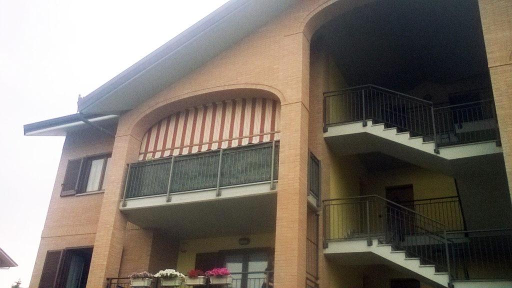 Tende a caduta per balconi da esterno - sintesi tende orbassano Torino