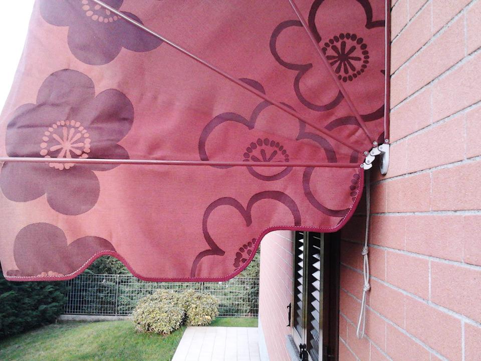 Tende capottine da sole colorata da esterno - Sintesi Tende Orbassano Torino