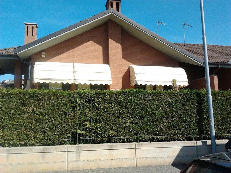 Tende capottine bianche per villa - Tende da esterno - Sintesi Tende Orbassano Torino